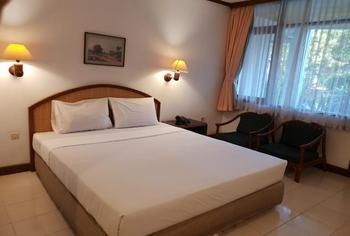 Hotel Bumi Asih Gedung Sate Bandung - Deluxe Double / Twin Room Only Minimum Stay 2 Nights Promotion