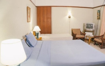 Hotel Bumi Asih Gedung Sate Bandung - Heritage Triple Room 3 Pax MINIMUM STAY 2 NIGHT 27%