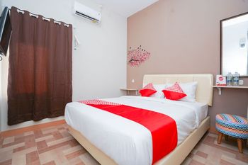 OYO 1043 Sofie Syariah Surabaya - Standard Double Room Regular Plan