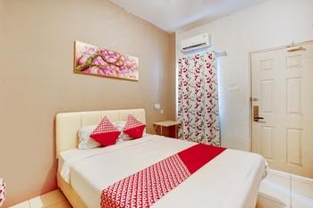 OYO 1043 Sofie Syariah Surabaya - Standard Double Room Regular Plan