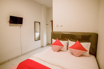 OYO 183 The Pipe House Palembang - Standard Double  Minimum Stay