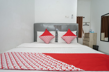 OYO 183 The Pipe House Palembang - Standard Double Room Promotion
