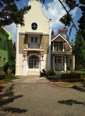 Villa Kota Bunga Blok R1 No. 01