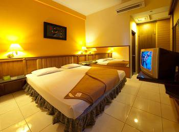 Hotel Asia Solo - Superior Room Only Regular Plan