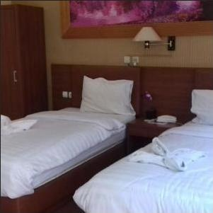 Hotel Kencana Pati - VIP Bawah Twin Bed Regular Plan