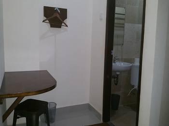 Legenda Beril Hostel Makassar - Superior Double Room Regular Plan