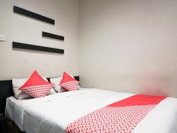 OYO 717 Hotel Dharma Utama Syariah Pekanbaru - Standard Double Room Early Bird