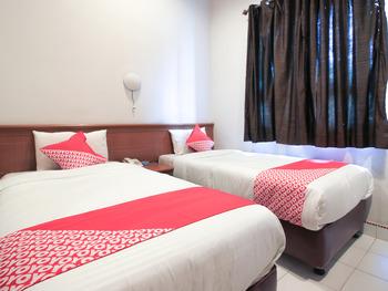 OYO 717 Hotel Dharma Utama Syariah Pekanbaru - Standard Twin Room Early Bird