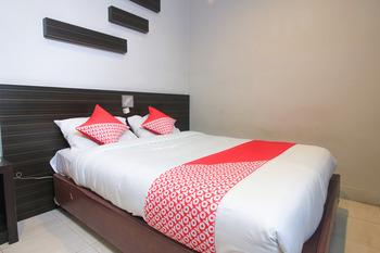 OYO 717 Hotel Dharma Utama Syariah Pekanbaru - Suite Double Early Bird