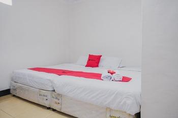 RedDoorz Syariah near Kebun Raya Liwa Lampung Barat - RedDoorz Family Room Basic Deal