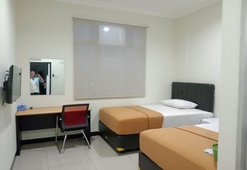 Hotel Aura Lubuklinggau - Standard Room Lantai 2 Regular Plan