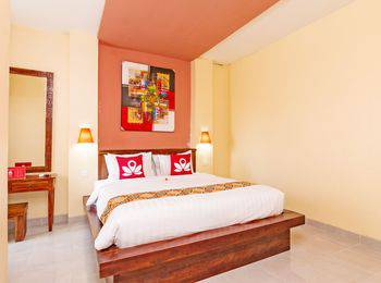 ZenRooms Celagi Basur Bali - Double Room Regular Plan