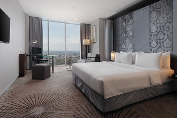 Cambridge Hotel Medan Medan - Superior Deluxe Queen Bed - Non Smoking Regular Plan