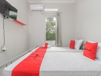 RedDoorz @ Cipete Raya Jakarta - RedDoorz Room Regular Plan