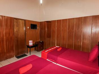 NIDA Rooms Crown Kraton Tugu Station - Double Room Double Occupancy Special Promo