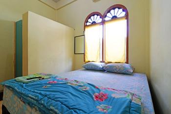 Wisma Yuli Syariah Medan - Superior Room Stay More, Pay Less
