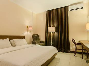 Excellent Seven Boutique Hotel Bandung - Deluxe Room with Breakfast Regular Plan