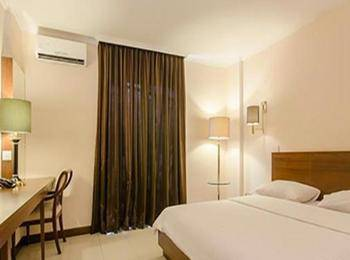 Excellent Seven Boutique Hotel Bandung - Standard Room with Breakfast Regular Plan
