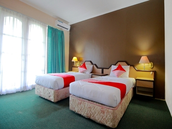 OYO 2360 Hotel Rio Bengkulu - Deluxe Twin Room Regular Plan
