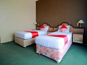 OYO 2360 Hotel Rio Bengkulu - Suite Twin Regular Plan