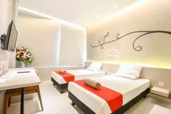 Sleepzzz Equestrian Park Hotel Jakarta - Superior Twin Bed Room Only FC Stay More, Pay Less