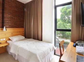 Urbana Homes Jakarta - Deluxe Single Room Long Stay Discount
