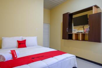 RedDoorz near Alun Alun Pati Pati - RedDoorz Room Regular Plan
