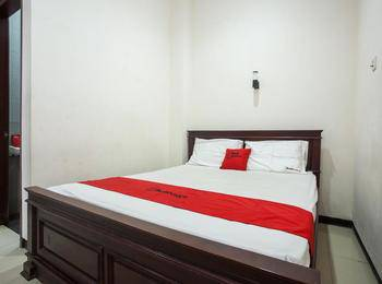 RedDoorz @ Raya Ngagel 2 Surabaya - RedDoorz Room with Breakfast Regular Plan