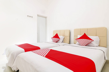 OYO 1438 Murai Guest House Bali - Standard Twin Room Regular Plan
