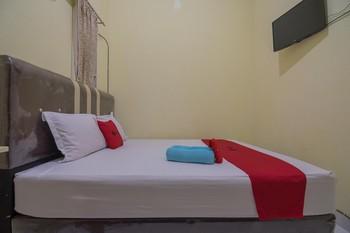 RedDoorz Syariah near OPI Mall Palembang 2 Palembang - RedDoorz Room Basic Deal