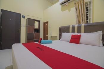 RedDoorz Syariah near OPI Mall Palembang Palembang - RedDoorz Room with Breakfast Regular Plan