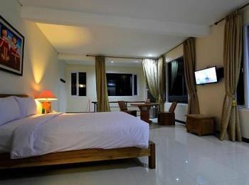 Sapphire Home Hotel Sumedang - Honeymoon Suite Hotel Regular Plan