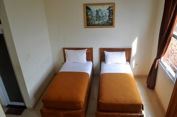 Sapphire Home Hotel Sumedang - Superior Twin Hotel Lt. 3 Regular Plan