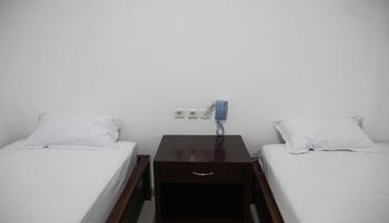 Al-Ashri Inn by Urban Yogyakarta - Superior Room Regular Plan