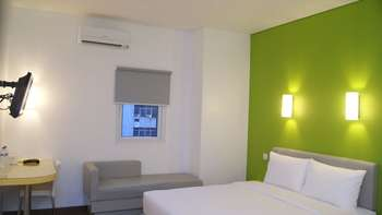 Amaris Mangga Besar - Smart Room Queen Staycation Offer Regular Plan