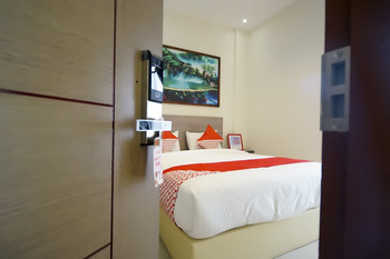 OYO 251 The Maximus Inn Hotel Palembang - Deluxe Double Room Regular Plan