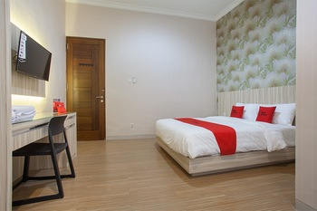 RedDoorz Syariah near Universitas Negeri Malang Malang - RedDoorz Premium Room with Breakfast Regular Plan