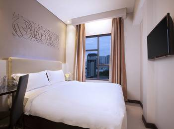 Verse Lite Hotel Gajah Mada - Superior Room Only Last minute SAVE !