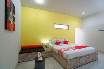 OYO 1638 Cityzen Renon Hotel Bali - Deluxe Double Room Regular Plan