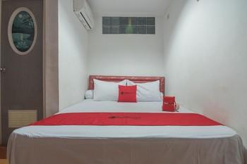 RedDoorz near Margahayu Raya Bandung - RedDoorz Room Regular Plan