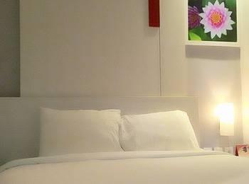 D' Hotel Jakarta - Dreams Double (No Window) Regular Plan