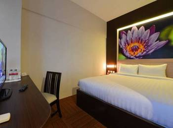 D' Hotel Jakarta - Divine Double Room Regular Plan