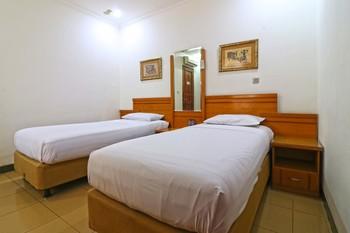 Arlya Hotel Bandung - Standard Room Last minute deal