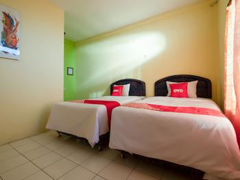 OYO 3206 Hotel Sido Langgeng Karanganyar - Deluxe Twin Room Regular Plan