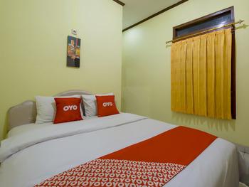 OYO 3206 Hotel Sido Langgeng Karanganyar - Standard Double Room Regular Plan