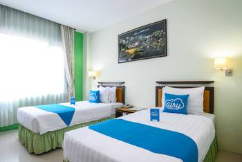 Airy Padang Barat Bundo Kanduang - Suite Twin Room with Breakfast Special Promo 50