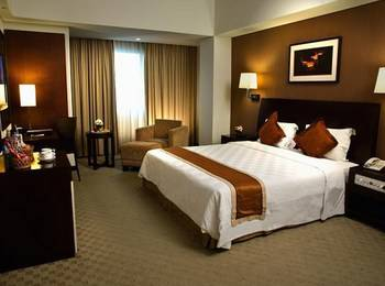 Claro Hotel Kendari - Superior Double Bed Regular Plan