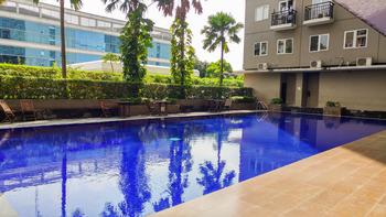 Penthouse 3BR Sunter Park View Apartment By Travelio
