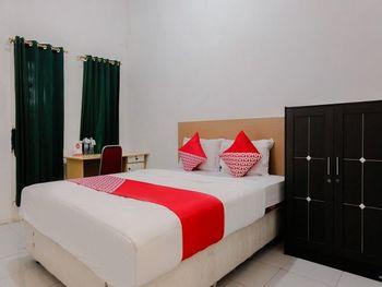 OYO 1415 Gelora Guest House Banyuwangi - Standard Double Room Regular Plan