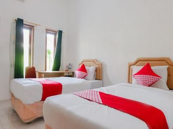 OYO 1415 Gelora Guest House Banyuwangi - Standard Twin Room Regular Plan